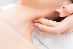 颈纹是怎么出现的?目前主流的去颈纹方式有哪些